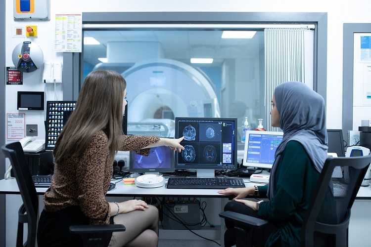 The university of leeds medical imaging master msc course is a leading UK programme for teaching the theory and physics of medical imaging
